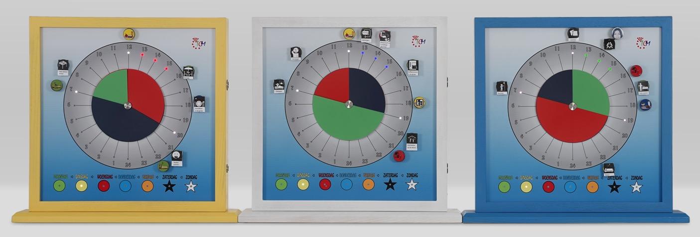 de TCM klok in verschillende kleuren leverbaar