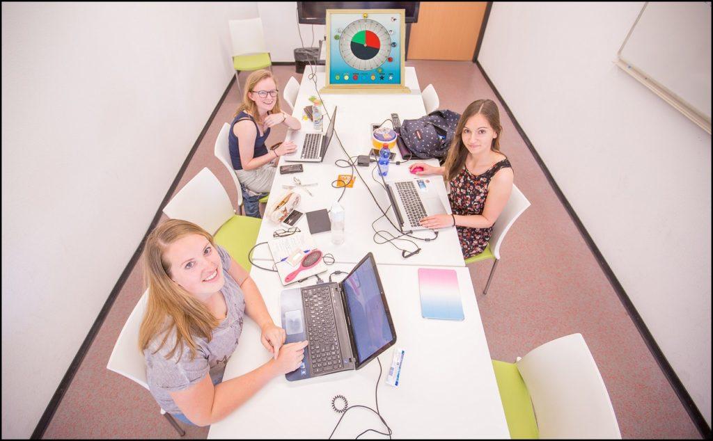 Rapport TCM-klok van Melissa van Alff, Lisa Linssen & Dominique van Manen